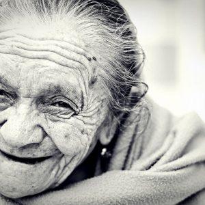 Selbstbewusstsein stärken Übungen Lächeln